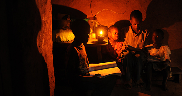 Children-study-using-a-kerosene-tin-l&u2014the-Koroboi_Andres-Bifani-Lighting -Africa  sc 1 st  Lighting Africa & Children-study-using-a-kerosene-tin-lamp-the-Koroboi_Andres-Bifani ...